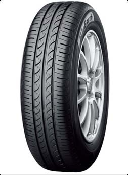 Yokohama BluEarth AE01 155/60 R15 74H  не шип